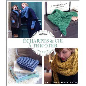 LIVRE LOISIRS CRÉATIFS Livre - écharpes   cie à tricoter a0b2e8101ae