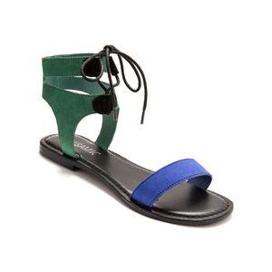 SANDALE - NU-PIEDS Sandales plates lacées, cuir velours ou lisse