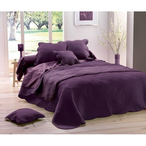 couvre lit matelass 220x240 boutis uni prune achat. Black Bedroom Furniture Sets. Home Design Ideas