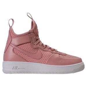 wholesale dealer b44e0 f4ec9 Femmes Nike Chaussures De Sport A La Mode