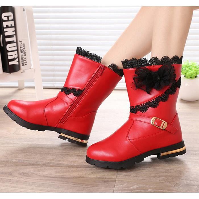 Rouge Bottes courtes bottes de neige chauds pour les enfants.
