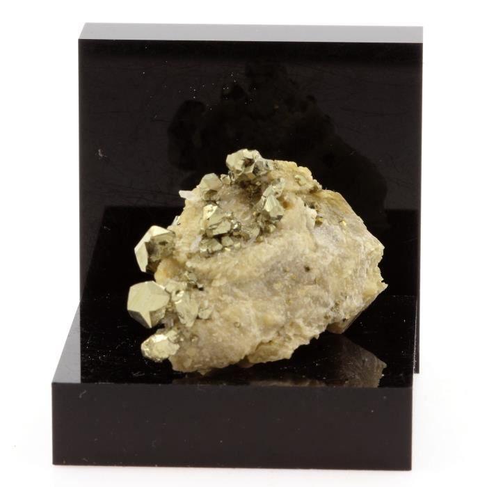 Pierre -Siderite, Pyrite, Quartz. 88.6 ct. Mésage Mine, Vizille, France. Rare