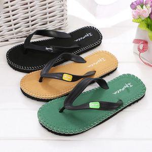 Pantoufle été Homme Confortable chaussures plage sandales Hommes de marque tongues chaussures de plage Plus De Couleur 40-44,gris,40