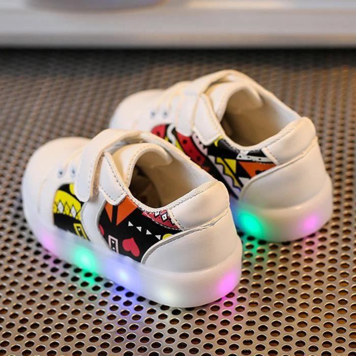 Les espadrilles de mode de bébé ont mené l'enfant lumineux les chaussures légères colorées occasionnelles blanc