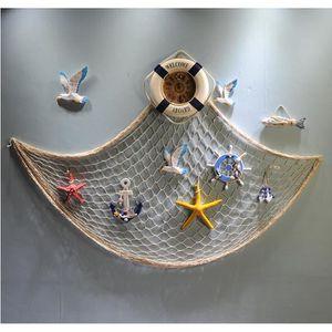 Déco de fête murale Filet De Pêche avec Coquilles DEWEL Style de Médit