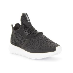 various colors 5615f f951c BASKET Chaussures Adidas Tubular Runner W