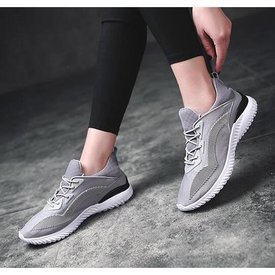 2017. nouvelle mode printemps. Chaussures casual spor