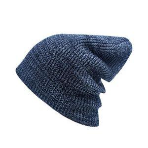 ... BONNET - CAGOULE Bonnet bleu foncé Chapeau à tricoter à rayures en. ‹› 24828a88f15