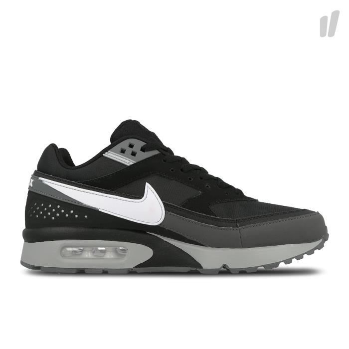 new product b4353 a3db1 BASKET Baskets Nike Air Max BW Noir. 881981-006.