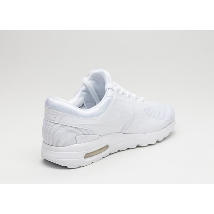 Baskets Nike Air Max Zéro Essential, Modèle 876070 100 Blanc.