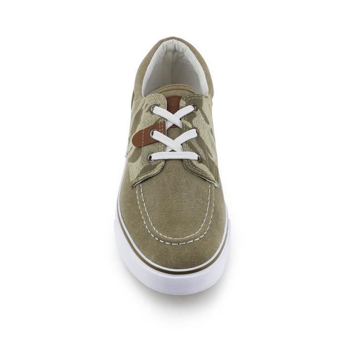 Mens Camo Low Top Sneaker V5FL8 42 1-2