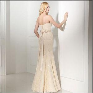 robe de mariee couleur champagne achat vente pas cher. Black Bedroom Furniture Sets. Home Design Ideas
