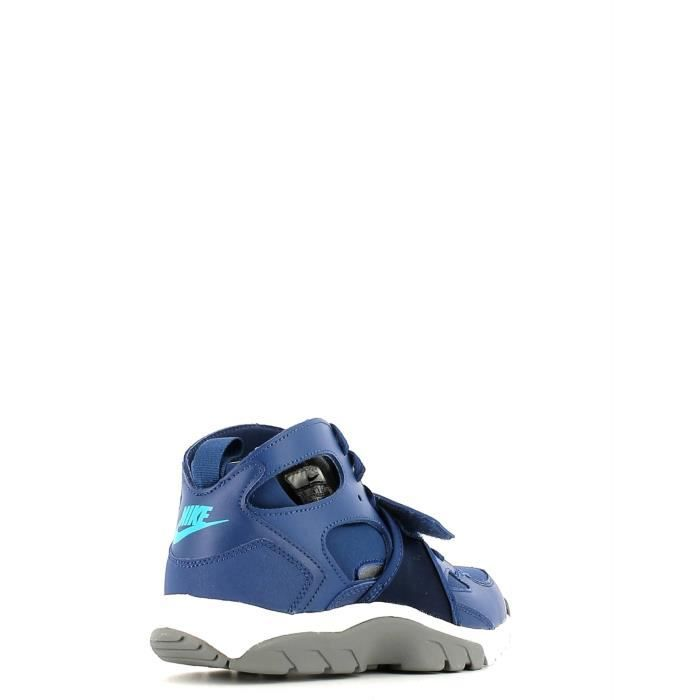Nike Chaussures sports Femmes