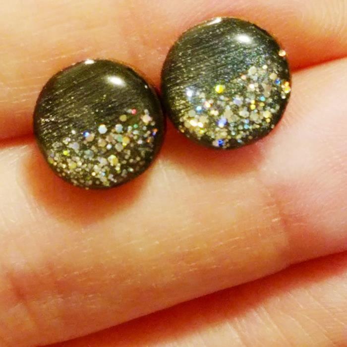 La main de la femme peint noir gris métallisé avec Argent olographe Glitter Bois Boucles doreilles 10 mm PVQY9