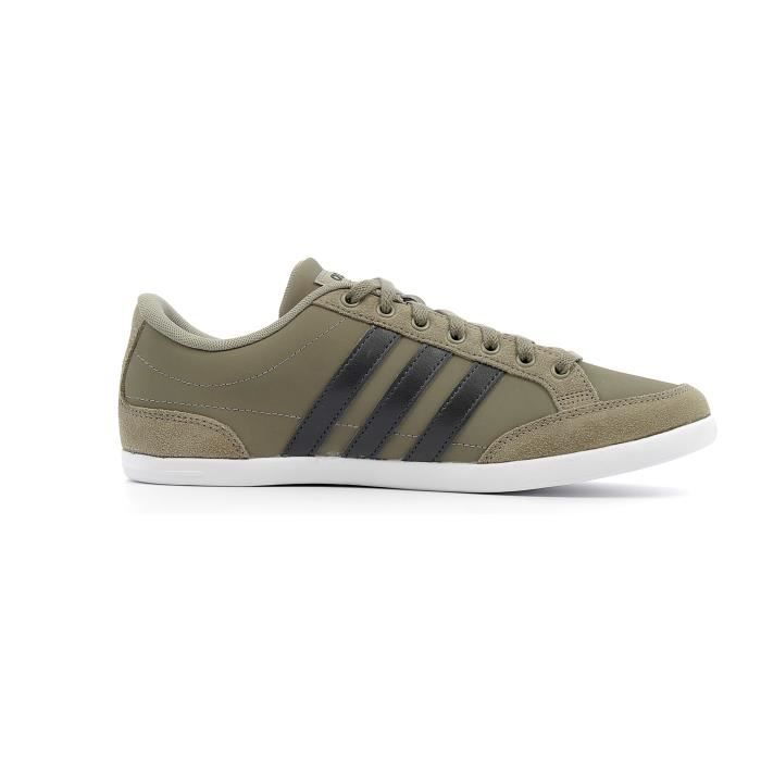 Chaussures basses Adidas Caflaire coloris Brown - Carbon - Footwear White