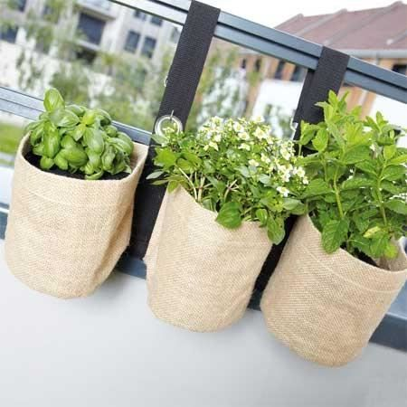 Triple jardini re suspendue en toile de jute pour balcon for Toile verte pour jardin