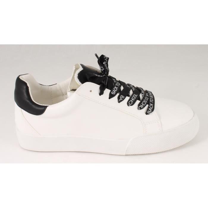 Basket blanche et noire