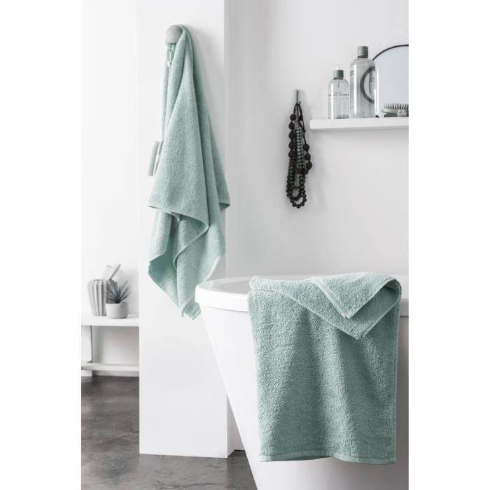Matière : 100% coton peigné - Dimensions : 70x140 cm - Grammage : 500 gr/m² - Coloris : vert de grisPARURE DE BAIN