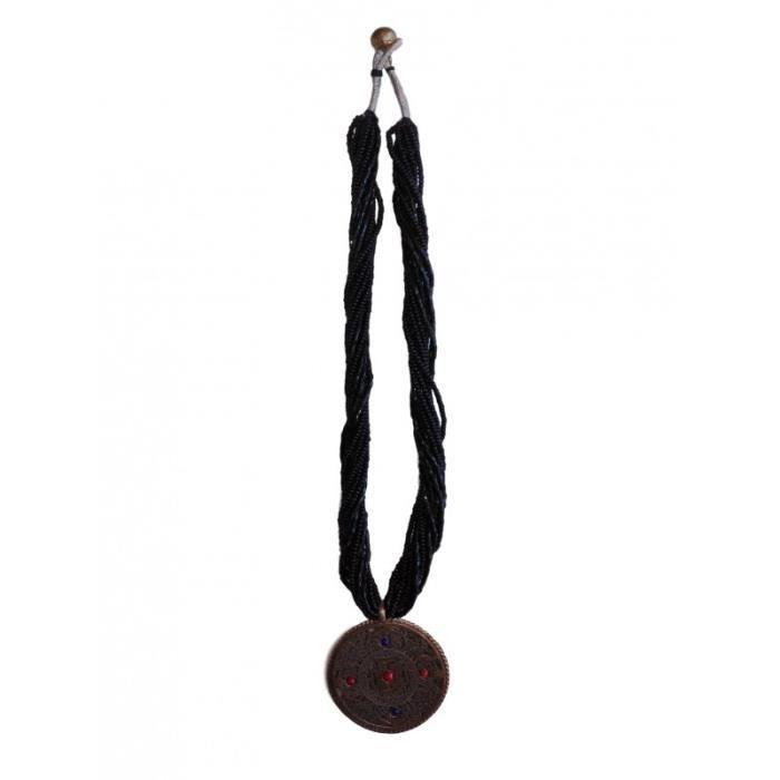 Collier en perle noire avec double amulette Om sanscrit