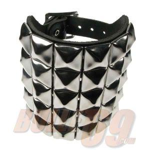 BAGUE - ANNEAU Bracelet cuir pyramide 5 rangs
