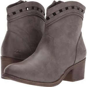DERBY BILLABONG Women's Jost Ankle Bootie NYAJY Taille-3