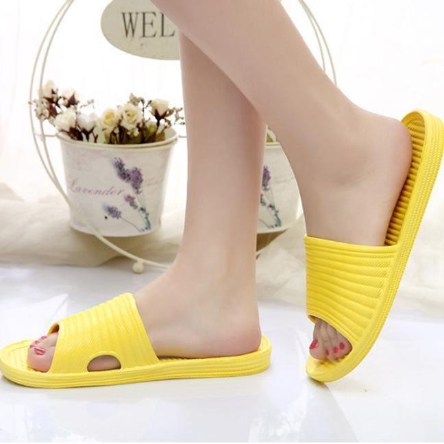 femmes Stripe pantoufles de bain plat sandales d'été intérieurs et pantoufles extérieures jaune