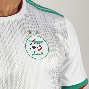 MAILLOT DE FOOTBALL Maillot Mahrez n°7 Algérie - tous les patchs- 2 ét