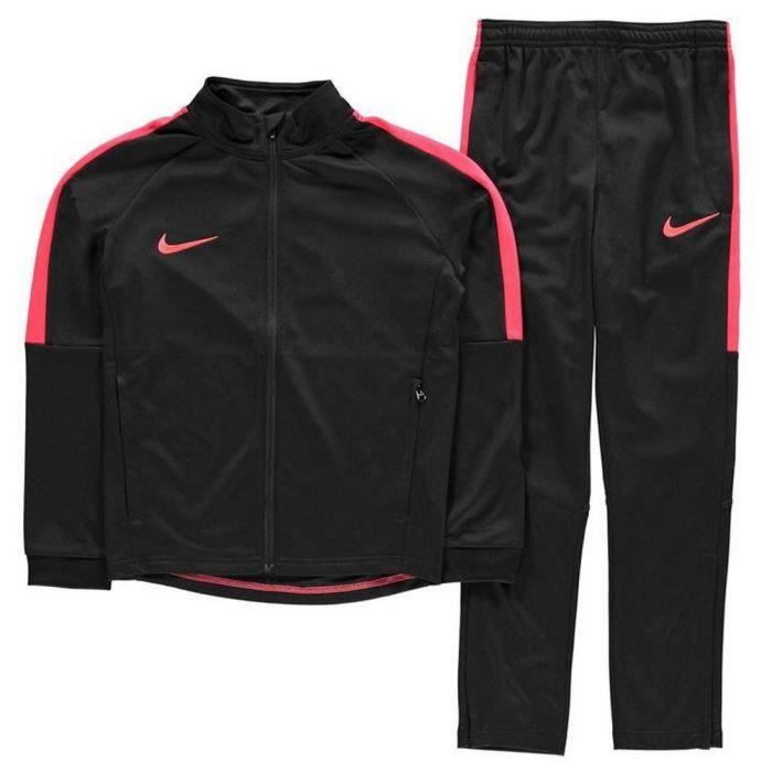 new products 30e5b 1d089 SURVÊTEMENT Jogging Nike Swoosh Garcon Noir et Rouge