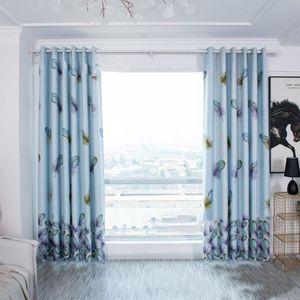 rideau de fen tre avec teinte d 39 ombrage avec motif de. Black Bedroom Furniture Sets. Home Design Ideas