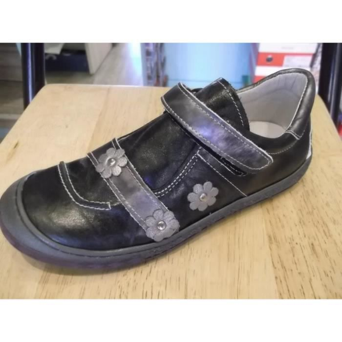 Chaussures enfants. Basses fillles à scratchs BELLAMY P34