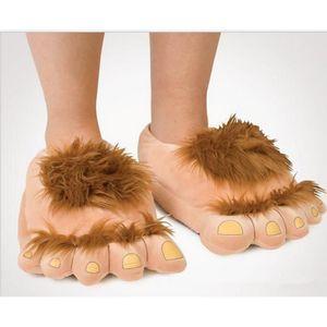 CHAUSSON - PANTOUFLE Pantoufles en coton en forme des pieds de sauvage