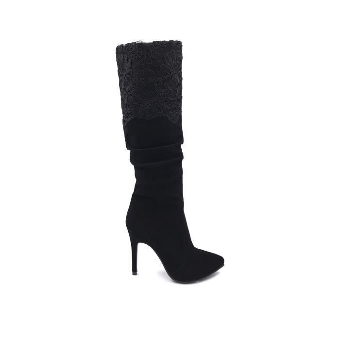 CHIC NANA . Chaussure femme cuissarde plate en effet daim, dotée d'un bout rond en couleur Gris 39