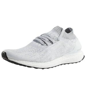 BASKET adidas Homme Chaussures // Baskets Ultra Boost Unc