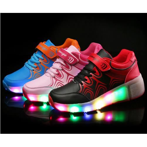 Enfants Chaussures Heelys par des lumières DEL ...