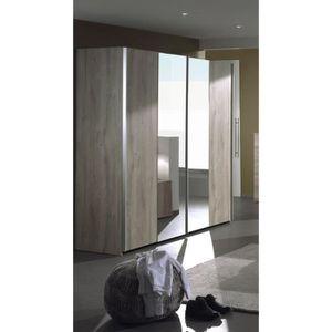 ARMOIRE DE CHAMBRE Armoire portes coulissantes poignées métal design