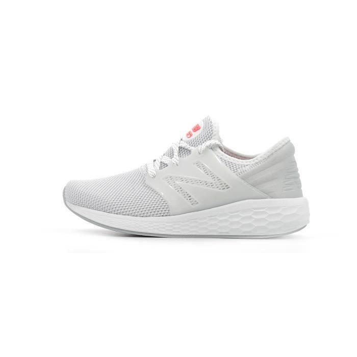newest 42103 3a6c3 Chaussures de running New Balance Fresh Foam Cruz V2 Sport Women coloris  White