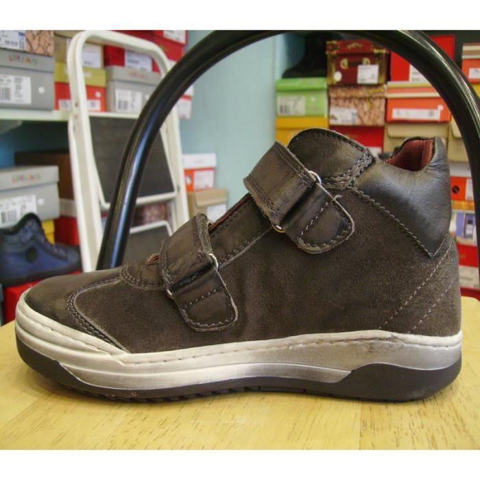Chaussures enfants. Boots garçons à scratchs BIKEY P33