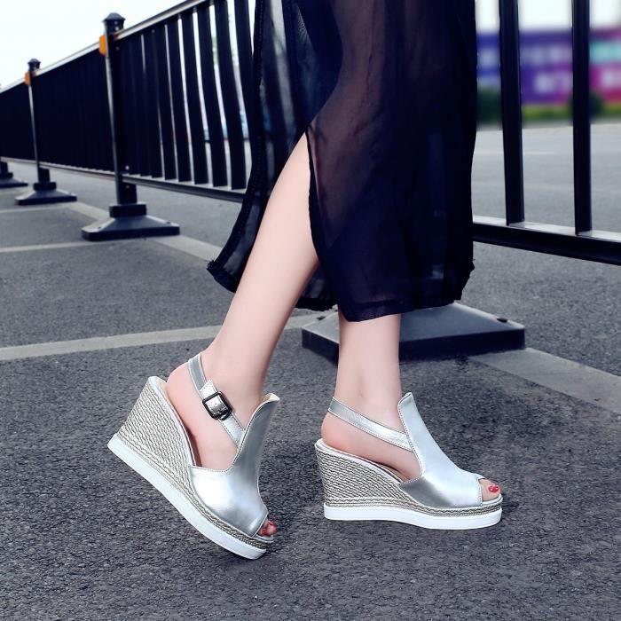 Nouveau Sandales Pente avec une croûte épaisse ...