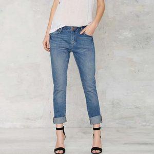 96c963b6dcf73b jeans-femmes-beau-minimaliste-decontracte-de-mode.jpg