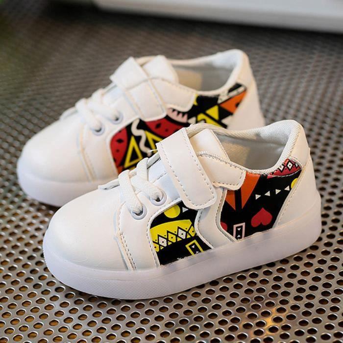 Les espadrilles de mode de bébé ont mené l'enfant lumineux les chaussures légères colorées occasionnelles blanc qobZYxl5p