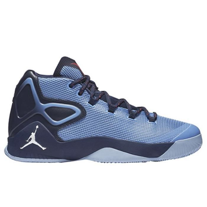 Chaussures Nike Melo M12