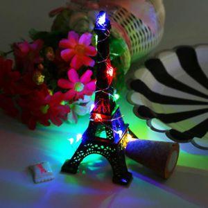 LUSTRE ET SUSPENSION poi_Le lustre en forme de liège 15 LED s'allume la