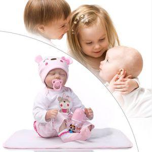 poupee bebe reborn achat vente jeux et jouets pas chers. Black Bedroom Furniture Sets. Home Design Ideas
