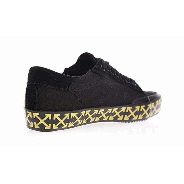Baskets Off-White Vulcanised Arrows sneakers Chaussures Homme noir