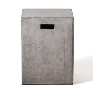CASIER POUR MEUBLE Bout de canapé forme cube en béton - sellette - ta