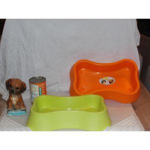 GAMELLE - ÉCUELLE gamelle pour chien forme d'os coloris vert 32 cm