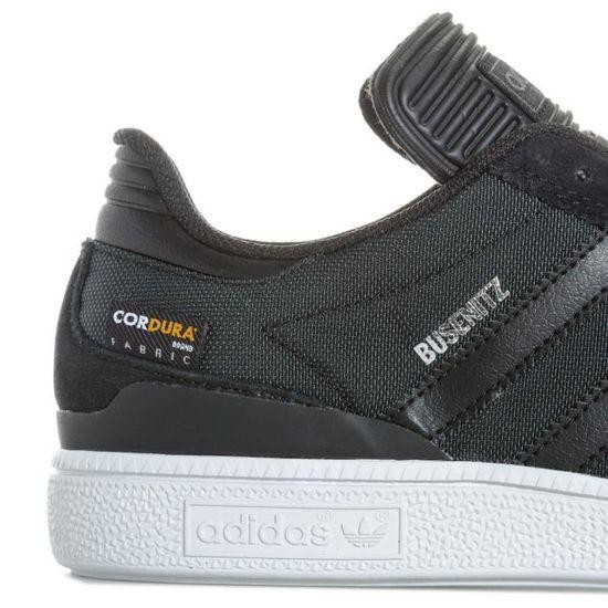 Chaussures adidas Originals Busenitz Pro pour homme en noir et blanc.