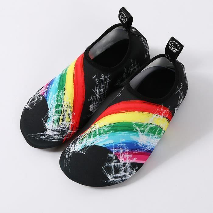 1d3b94513b Chaussures aquatiques femme Homme Sports nautiques chaussons de plongée  chaussettes d'eau Nager Surf Piscine Plage Séchage Rapide