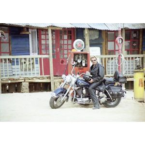 AFFICHE - POSTER Poster photo Johnny Hallyday harley (Dimensions :