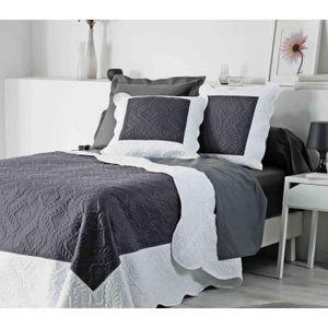 couvre lit matelasse 220x240cm achat vente couvre lit matelasse 220x240cm pas cher cdiscount. Black Bedroom Furniture Sets. Home Design Ideas